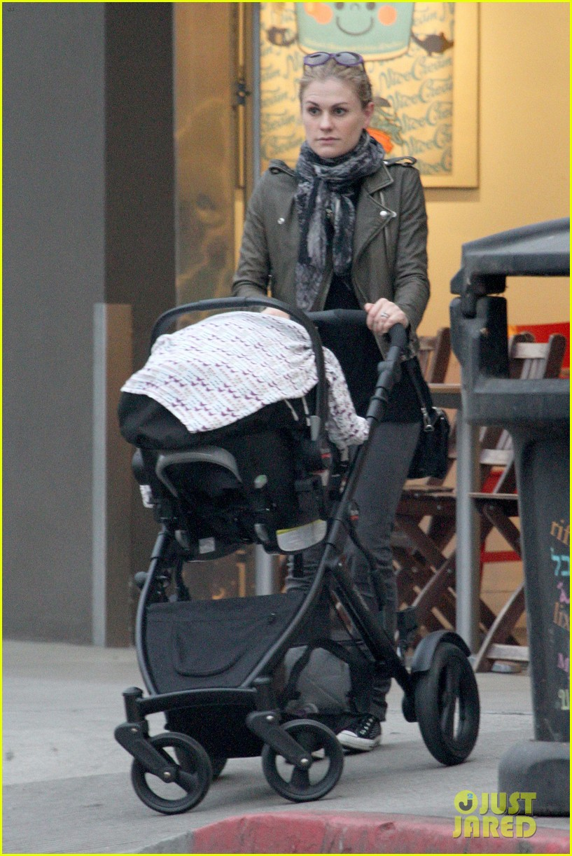 anna paquin shopping with one of her twins 27
