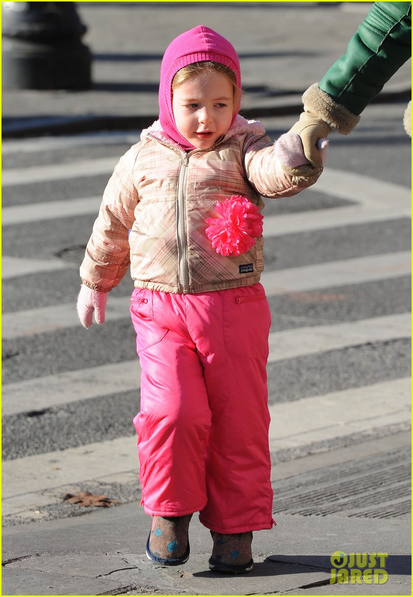 sarah jessica parker bundled up in the big apple 242805136
