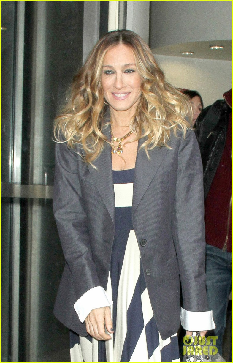 sarah jessica parker bundled up in the big apple 372805149