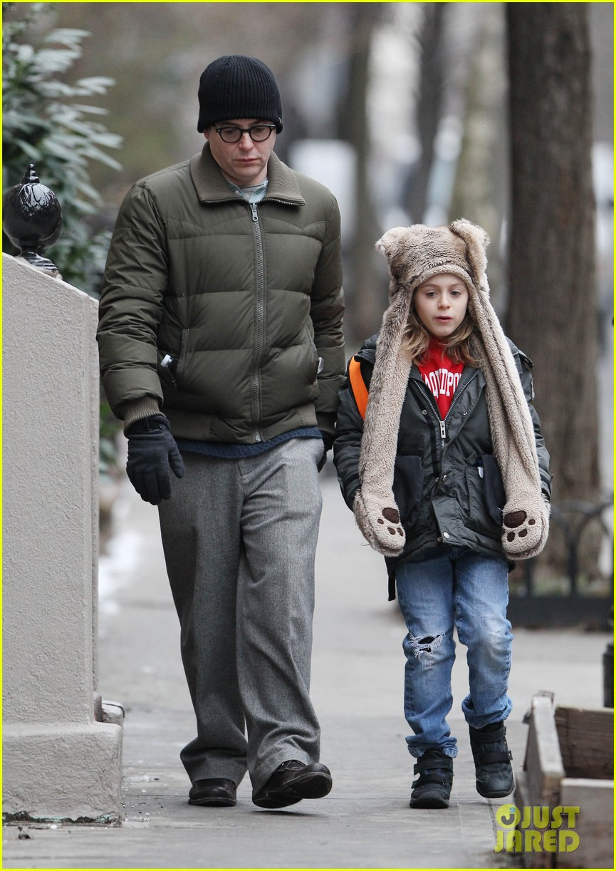 sarah jessica parker morning walk with the twins 322802235