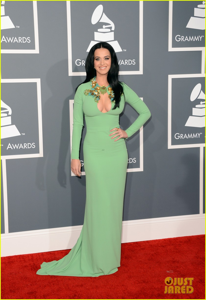 katy perry grammys 2013 red carpet 042809341