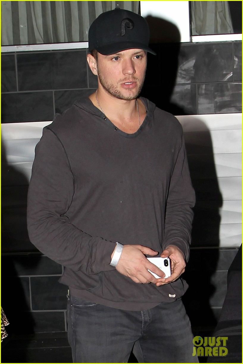 ryan phillippe rivabella opening wednesday workout 04