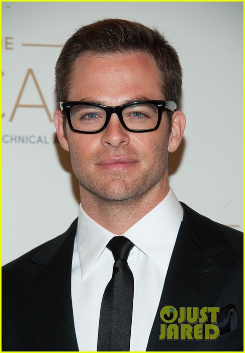 chris pine zoe saldana academy tech awards 2013 10