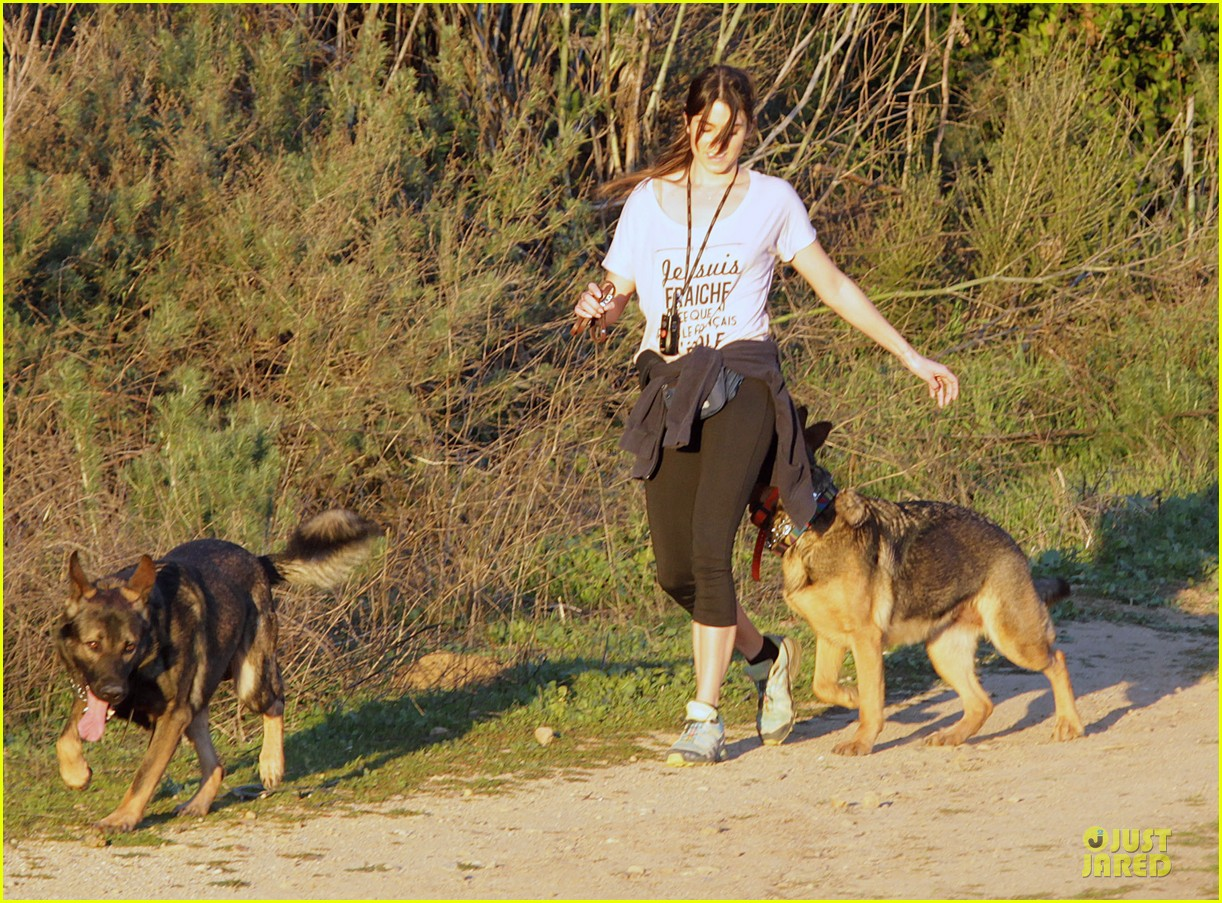nikki reed super bowl hiking with shirtless brother nathan 12