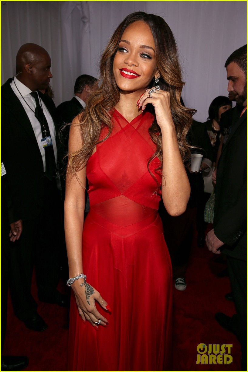 rihanna grammys 2013 red carpet 062809312
