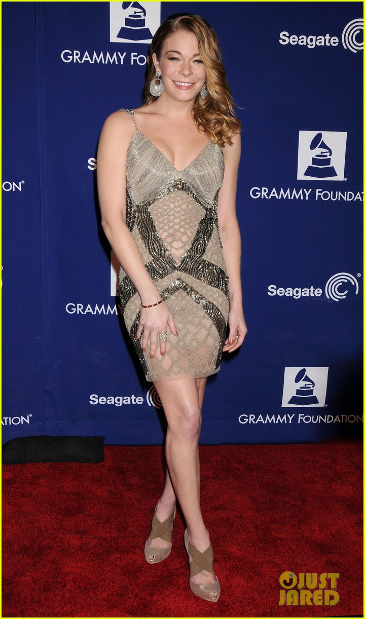 leann rimes grammy foundation play it forward event 03
