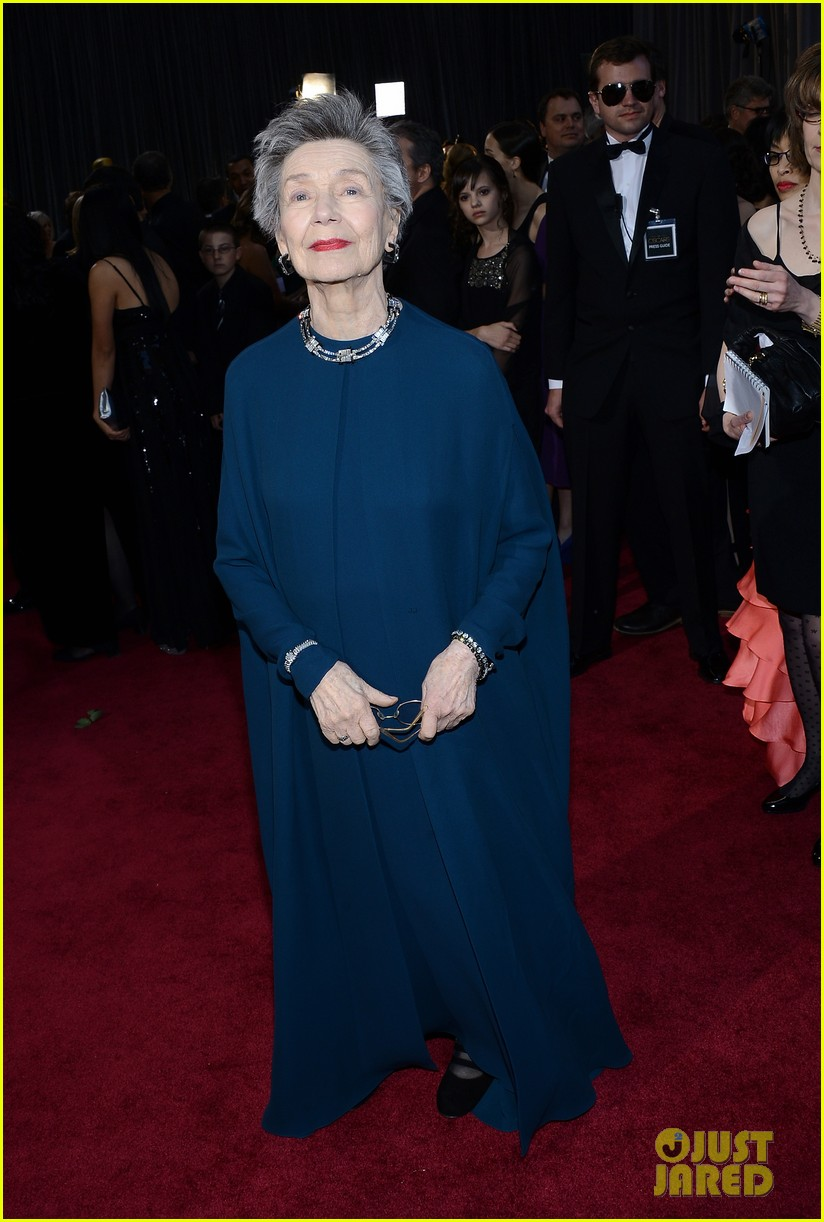 emmanuelle riva oscars 2013 red carpet 03