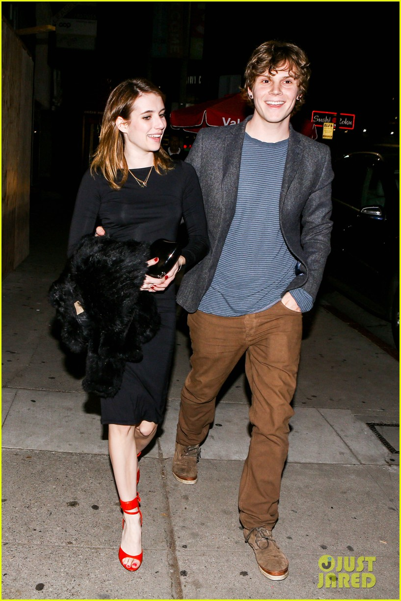 emma roberts evan peters valentines day date 04