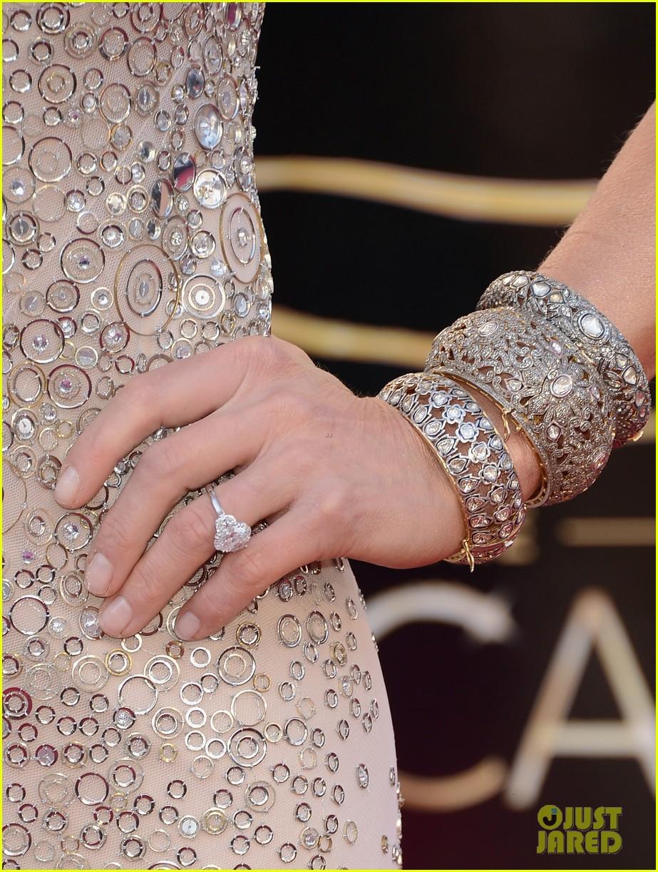 Robin Roberts & Lara Spencer - Oscars 2013 Red Carpet: Photo 2818937 ...