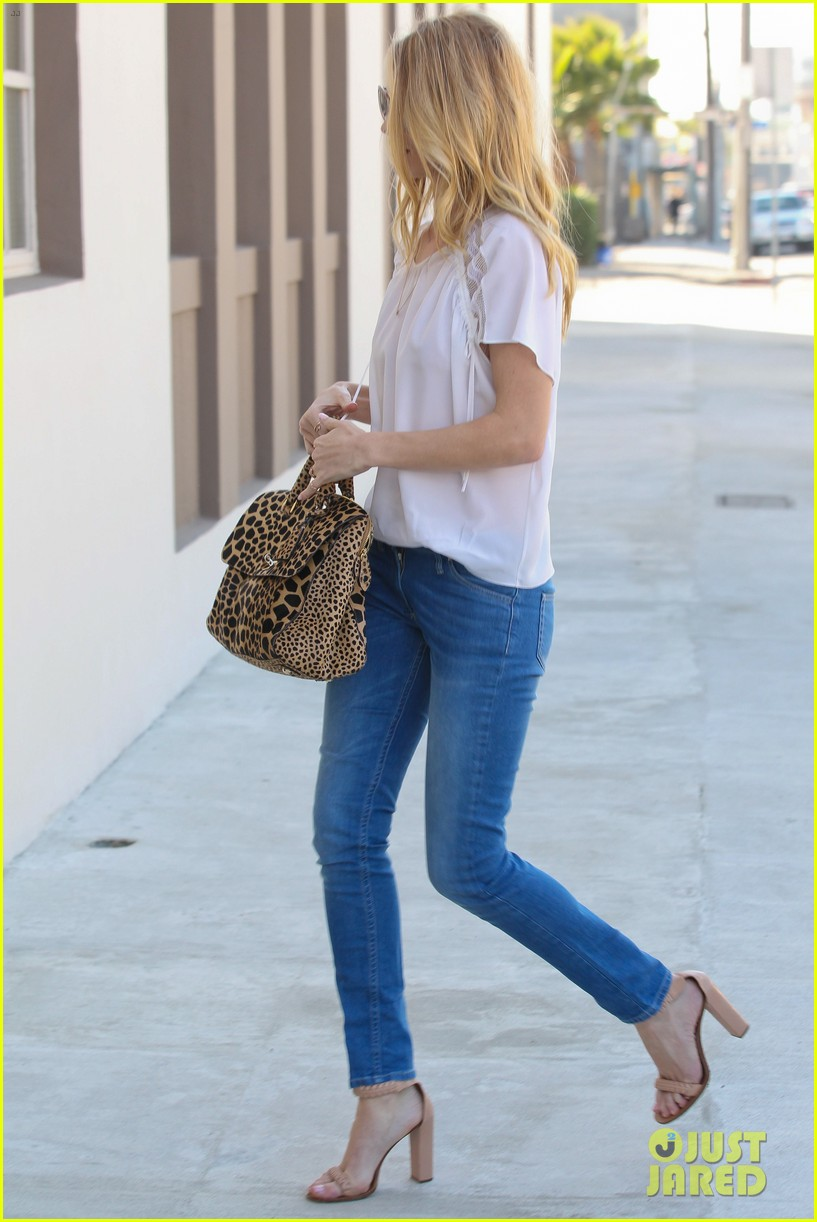 rosie huntington whiteley topless in cher coulter jeans 08