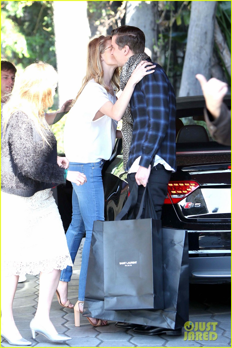 rosie huntington whiteley topless in cher coulter jeans 09