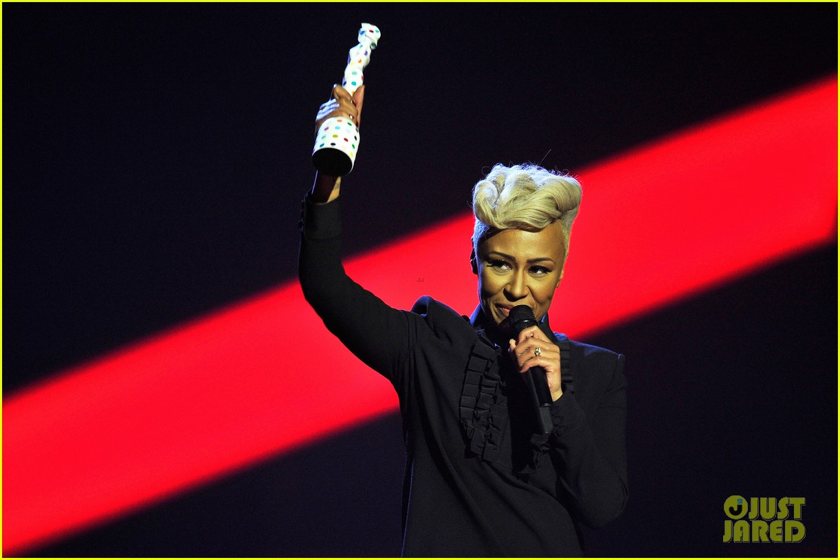 emeli sande brit awards 2013 performance red carpet 10