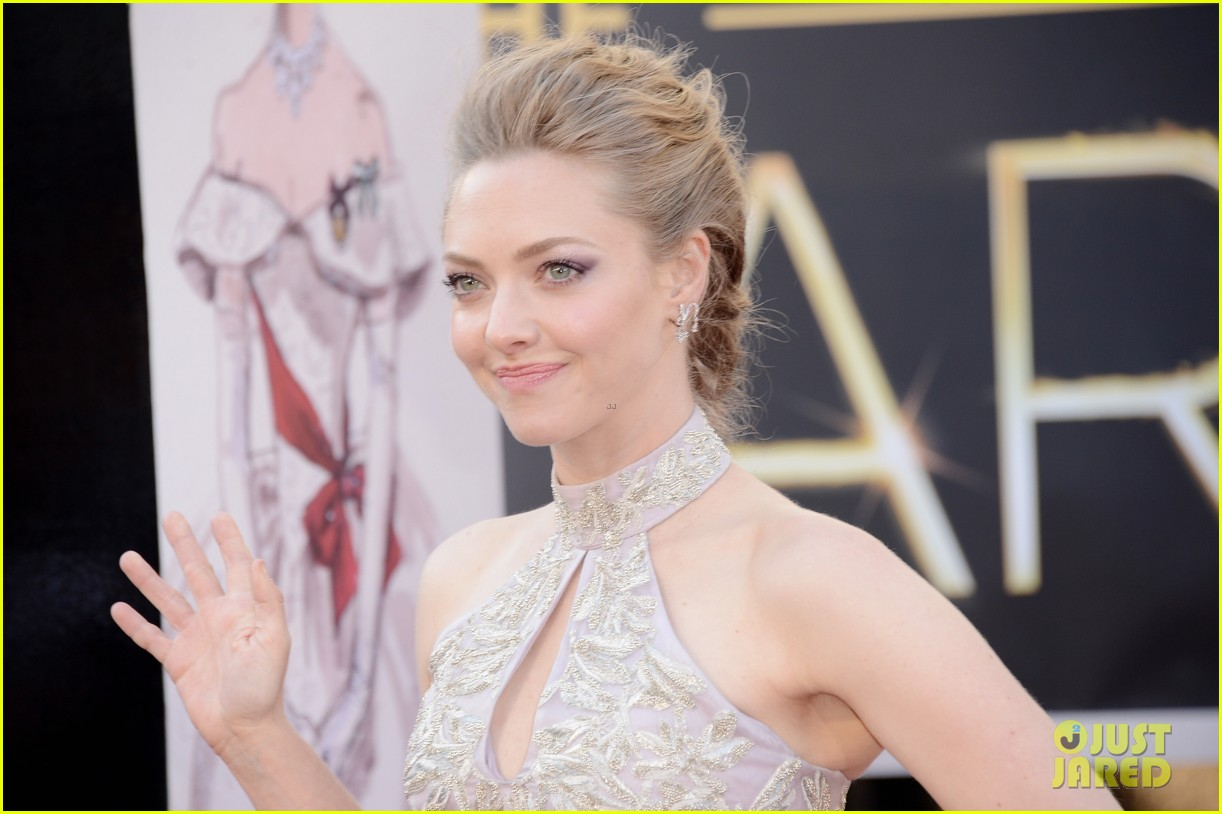 amanda seyfried oscars 2013 05
