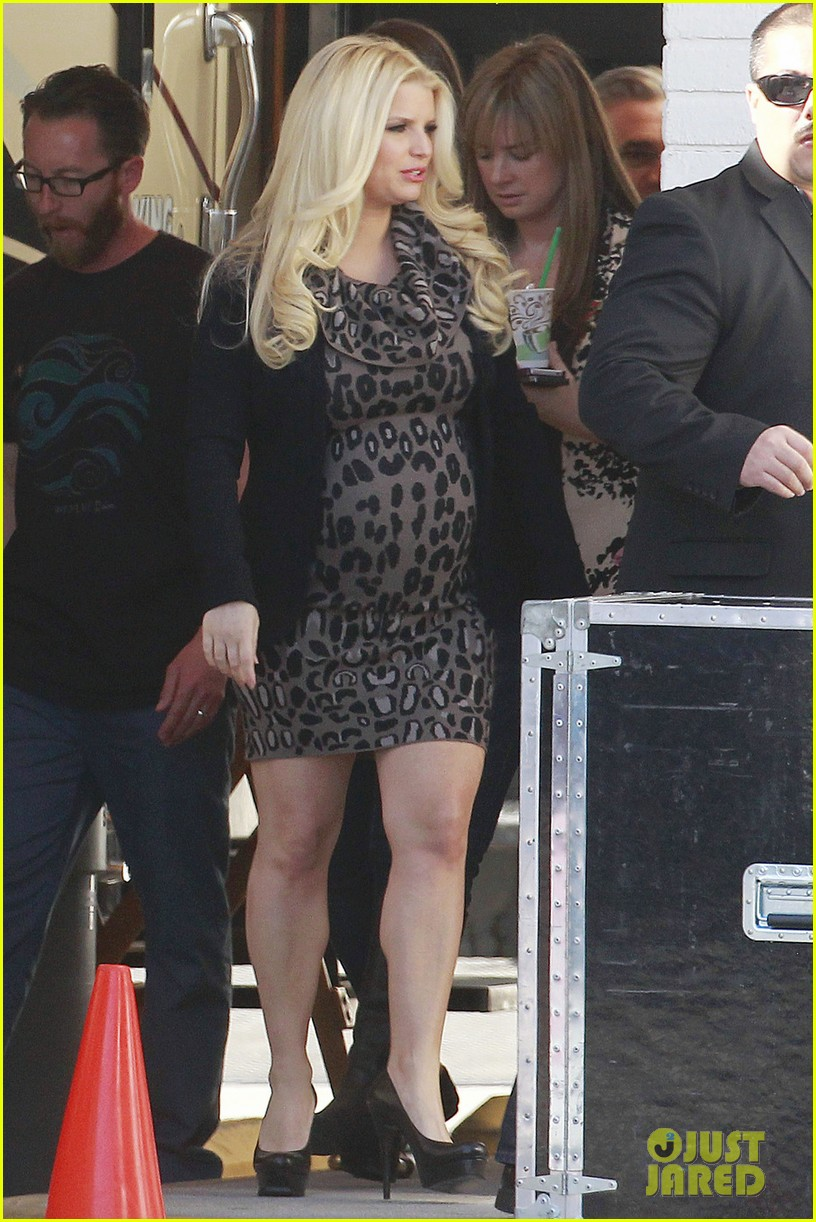 jessica simpson pregnant commercial shoot with eric johnson maxwell 02
