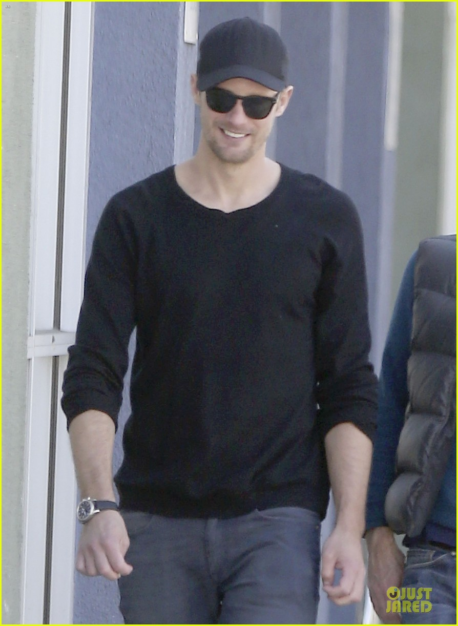 alexander skarsgard hollywood house hunting 062817332