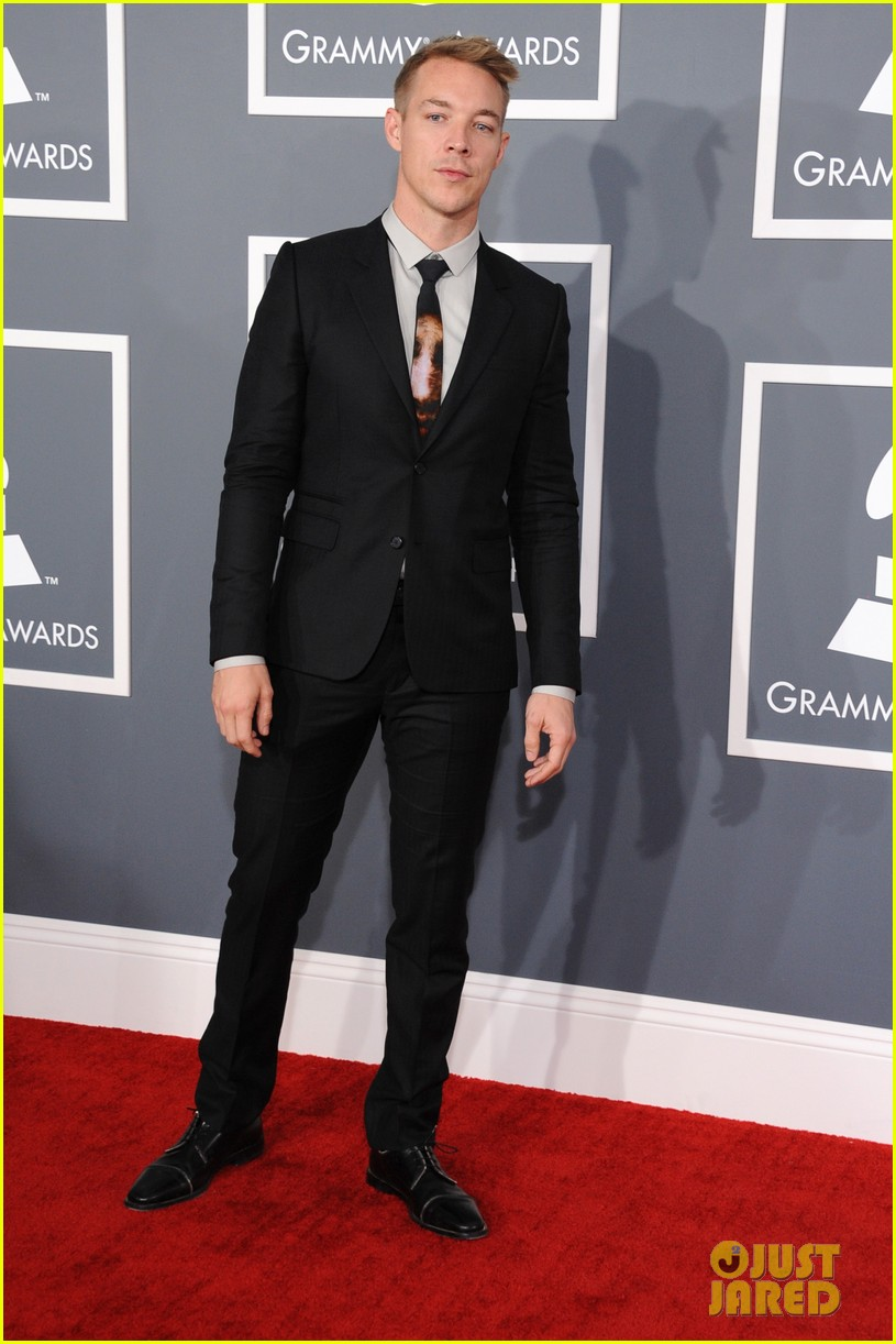 skrillex diplo grammys 2013 red carpet 02