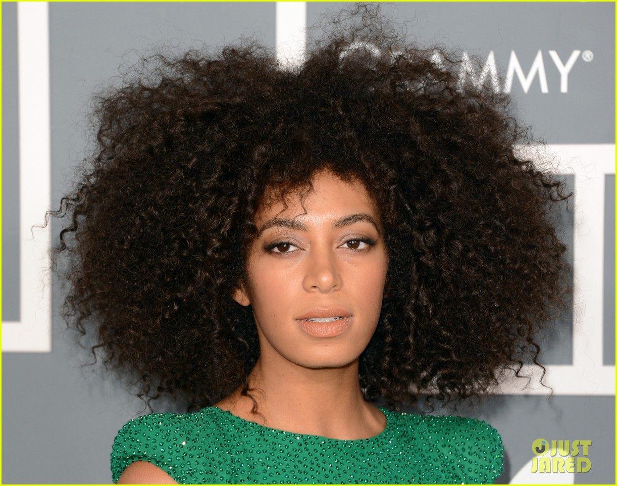 solange knowles grammys 2013 red carpet 04