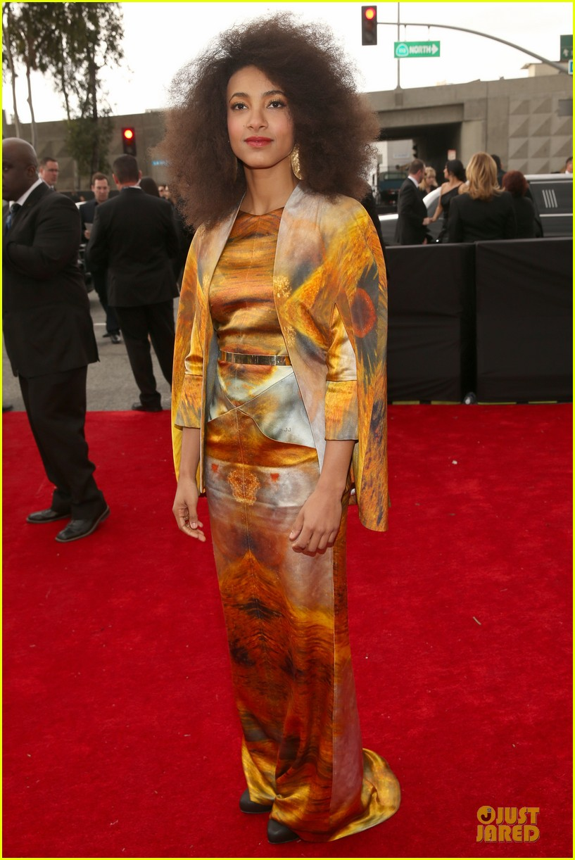 esperanza spalding grammys 2013 red carpet 10