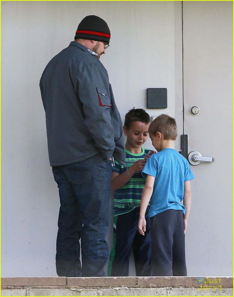 britney spears animal hospital with hannah and the boys 12