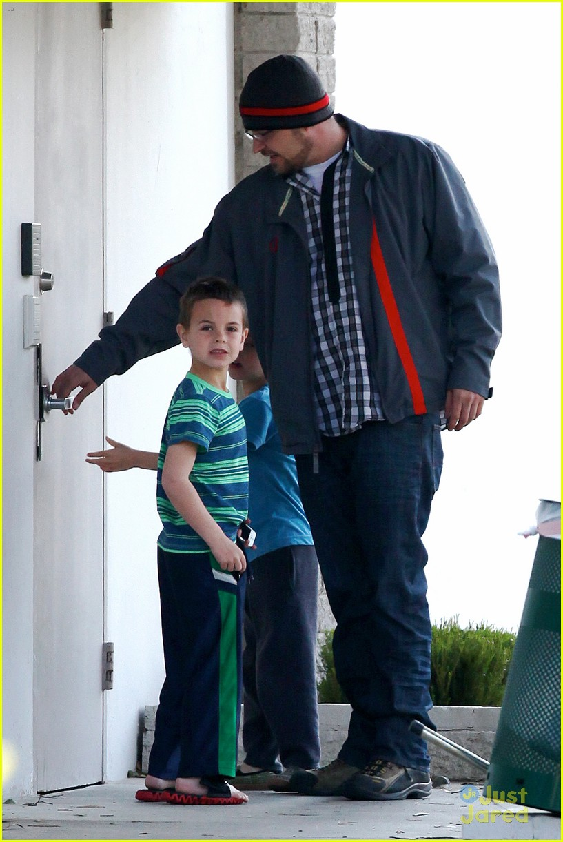 britney spears animal hospital with hannah and the boys 25