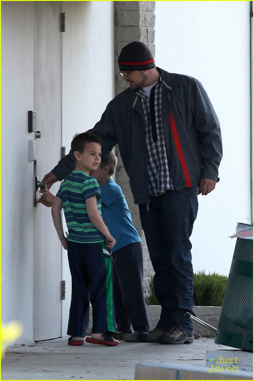 britney spears animal hospital with hannah and the boys 31