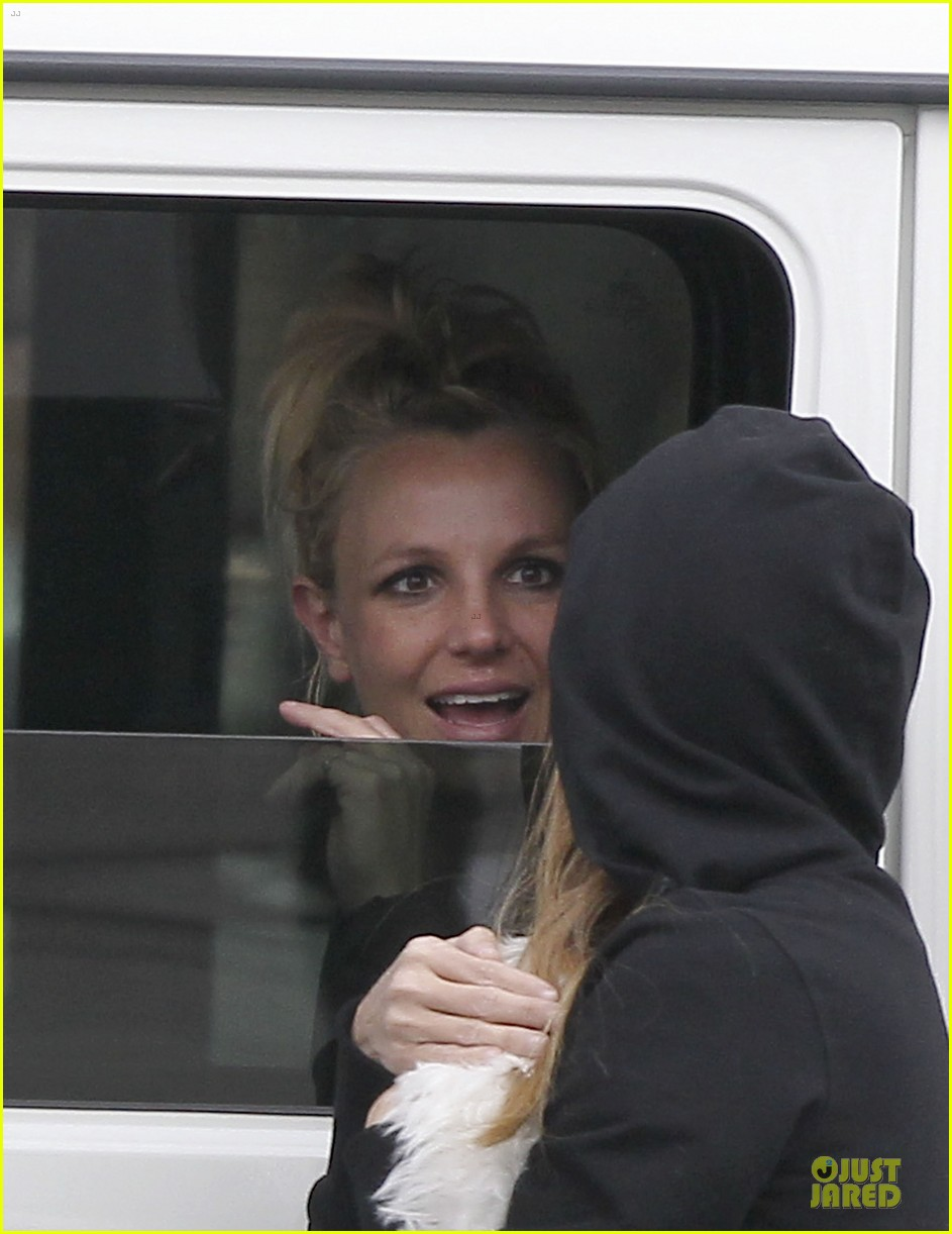 britney spears say good morning to my new baby 07