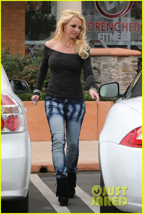 britney spears solo spa day 22
