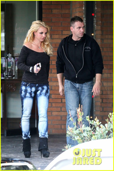 britney spears solo spa day 26
