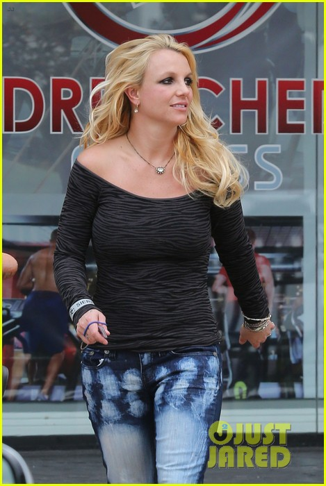 britney spears solo spa day 27