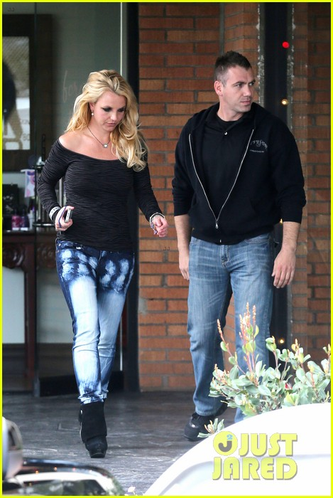 britney spears solo spa day 28