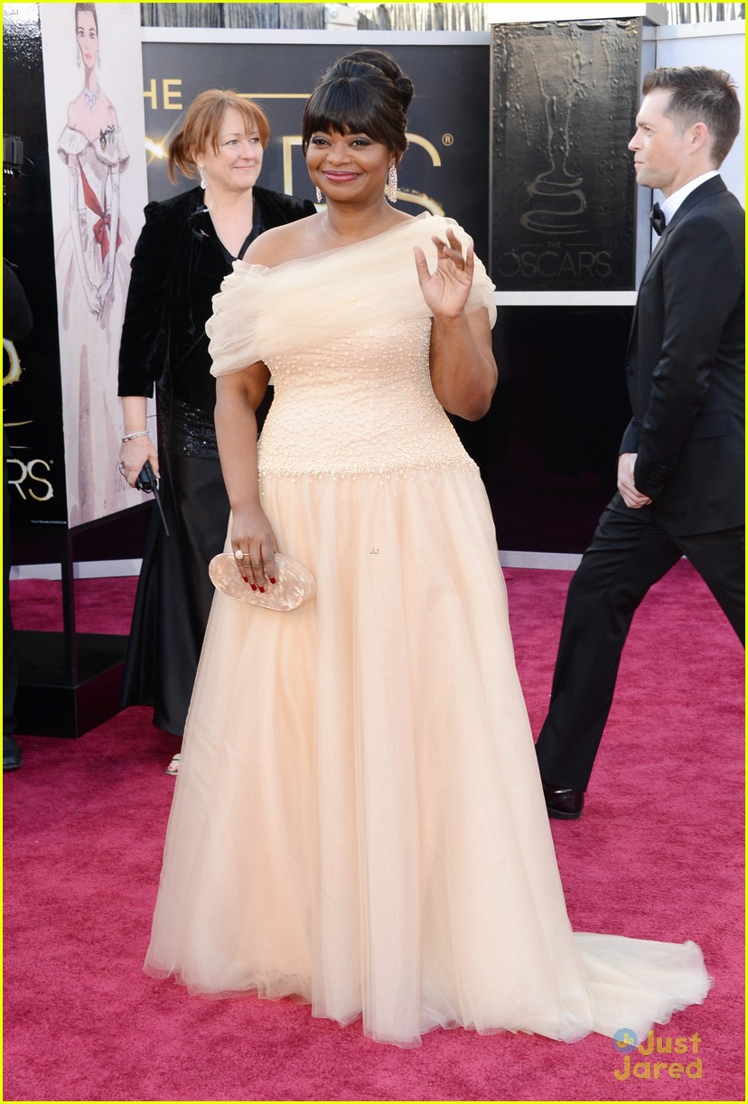 octavia spencer oscars 2013 red carpet 03