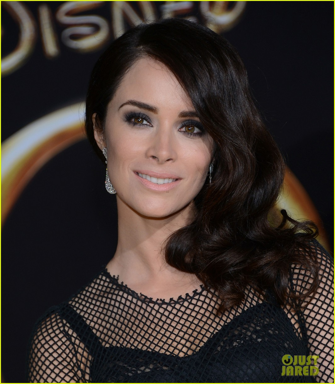 abigail spencer zach braff oz premiere 17