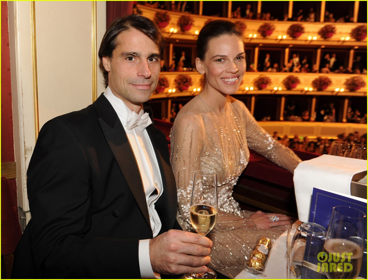 hilary swank laurent fleury vienna opera ball 05