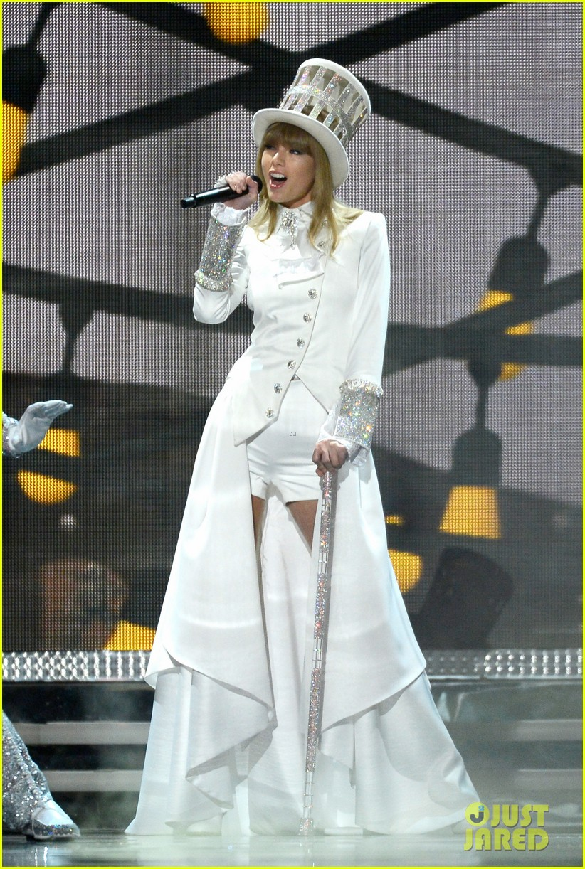 taylor swift grammys 2013 performance watch now 05