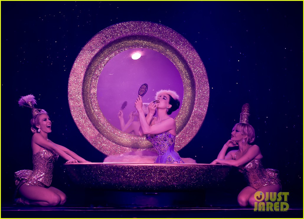 dita von teese strip strip hooray show photos exclusive 02