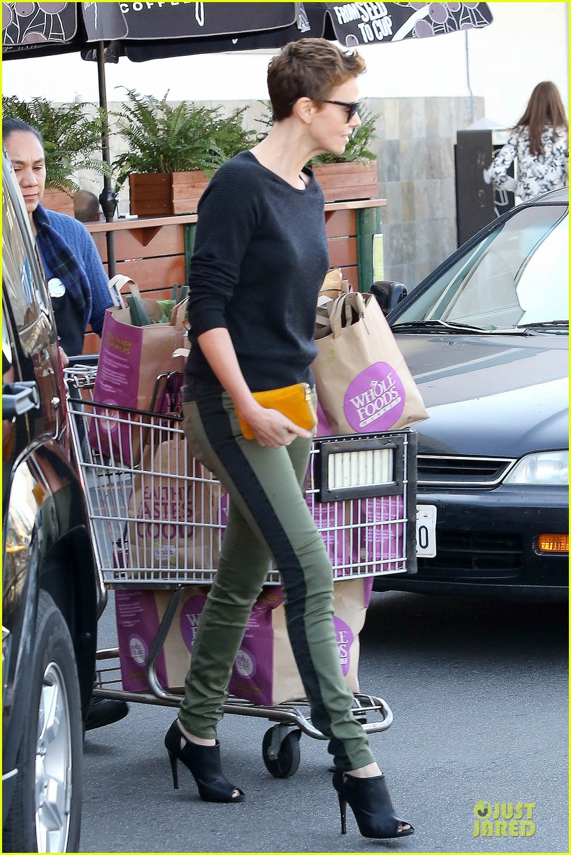 charlize theron glam squad development with style 052813519