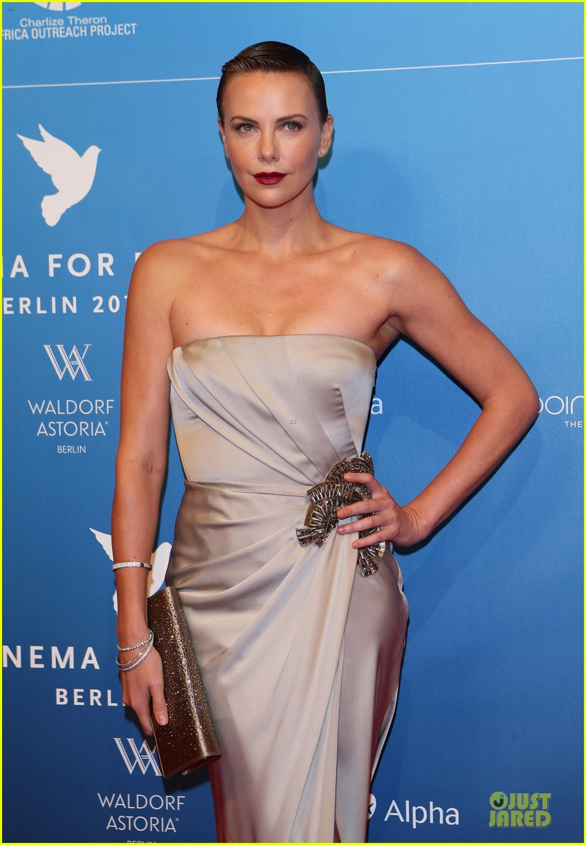 charlize theron cinema for peace gala 112808019