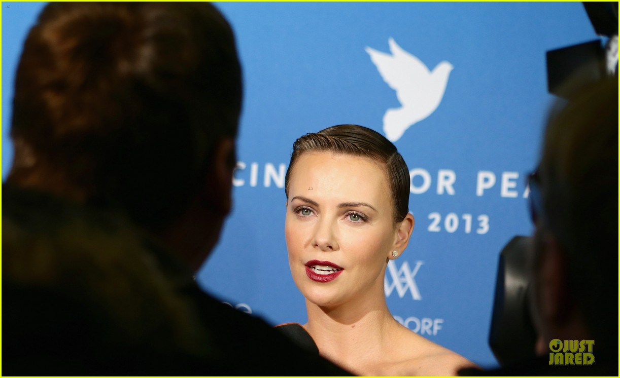 charlize theron cinema for peace gala 13