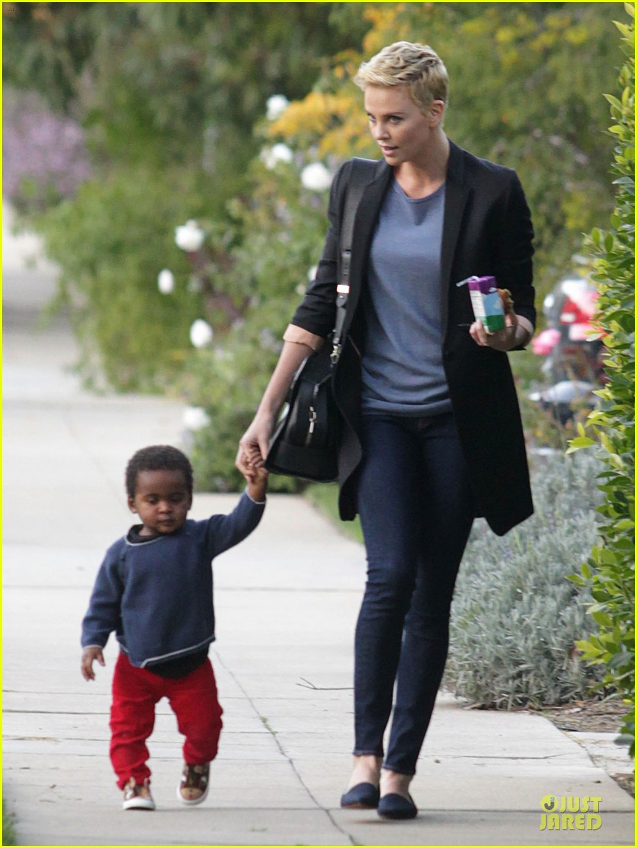 charlize theron playdate with jackson 09