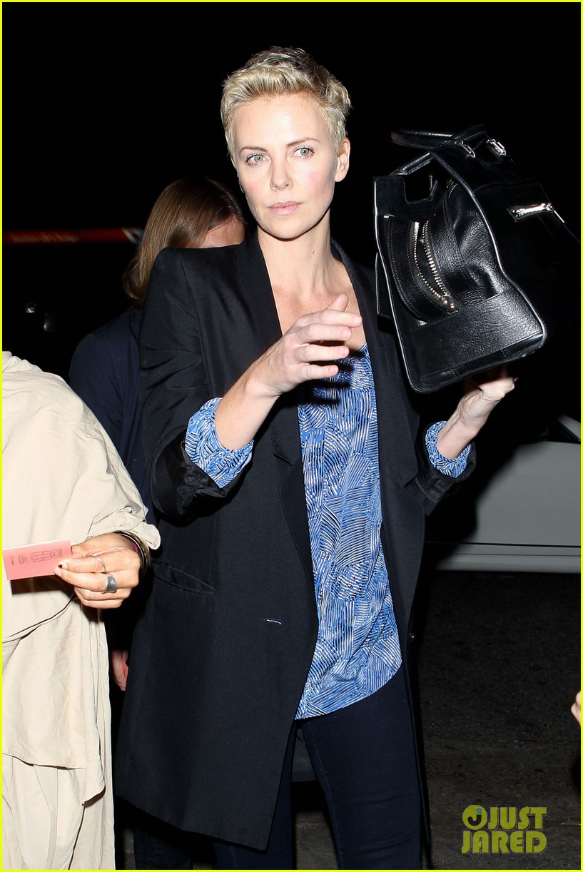 charlize theron partners with toms shoes to prevent aids 05