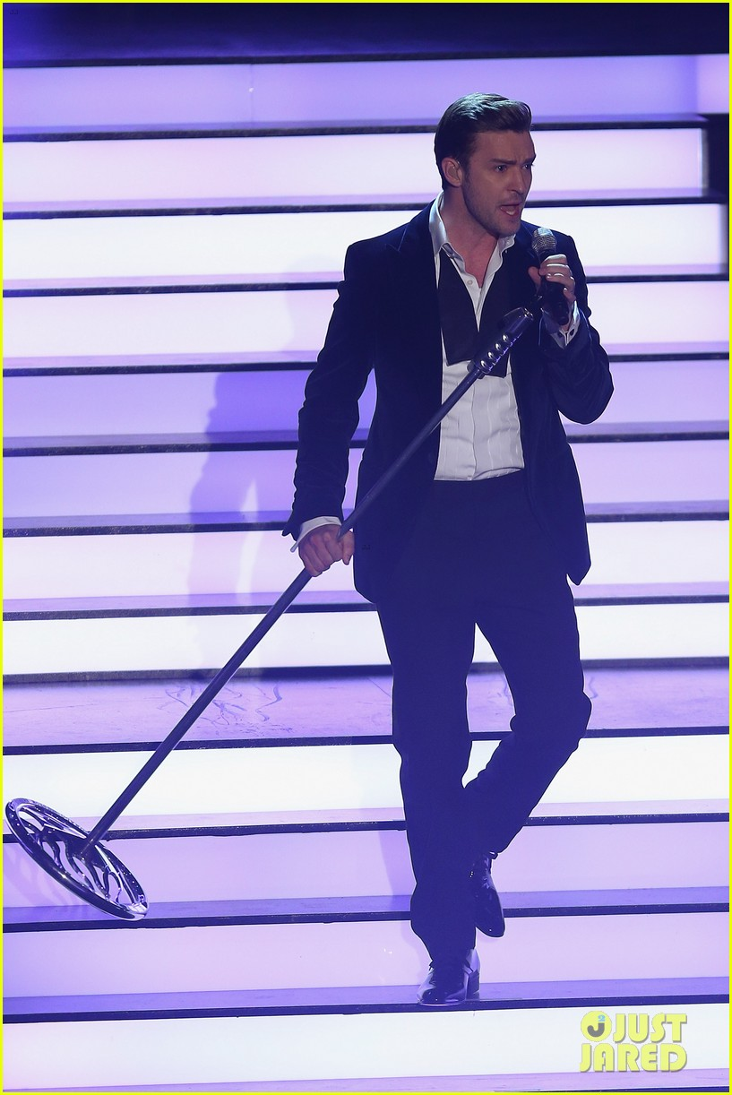 justin timberlake performs mirrors on wetten dass 03