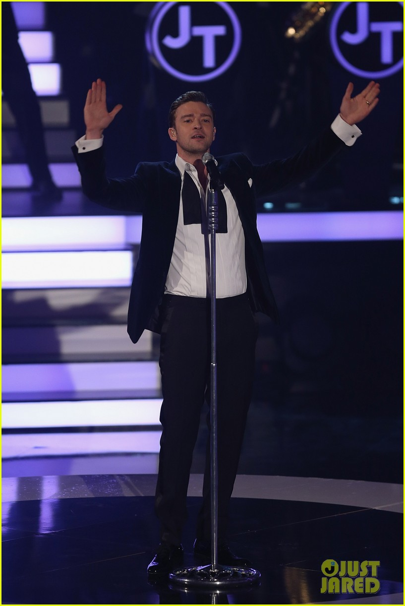 justin timberlake performs mirrors on wetten dass 13