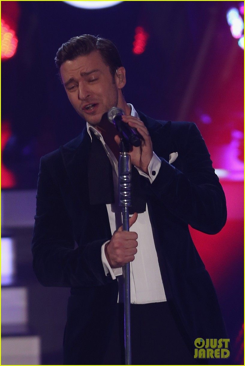 justin timberlake performs mirrors on wetten dass 252818698