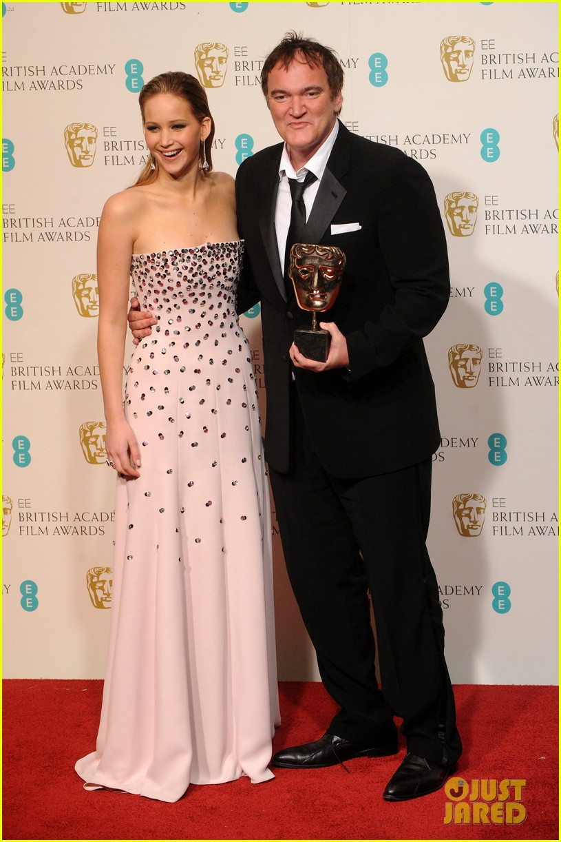 christoph waltz wins best supporting actor at baftas 2013 08
