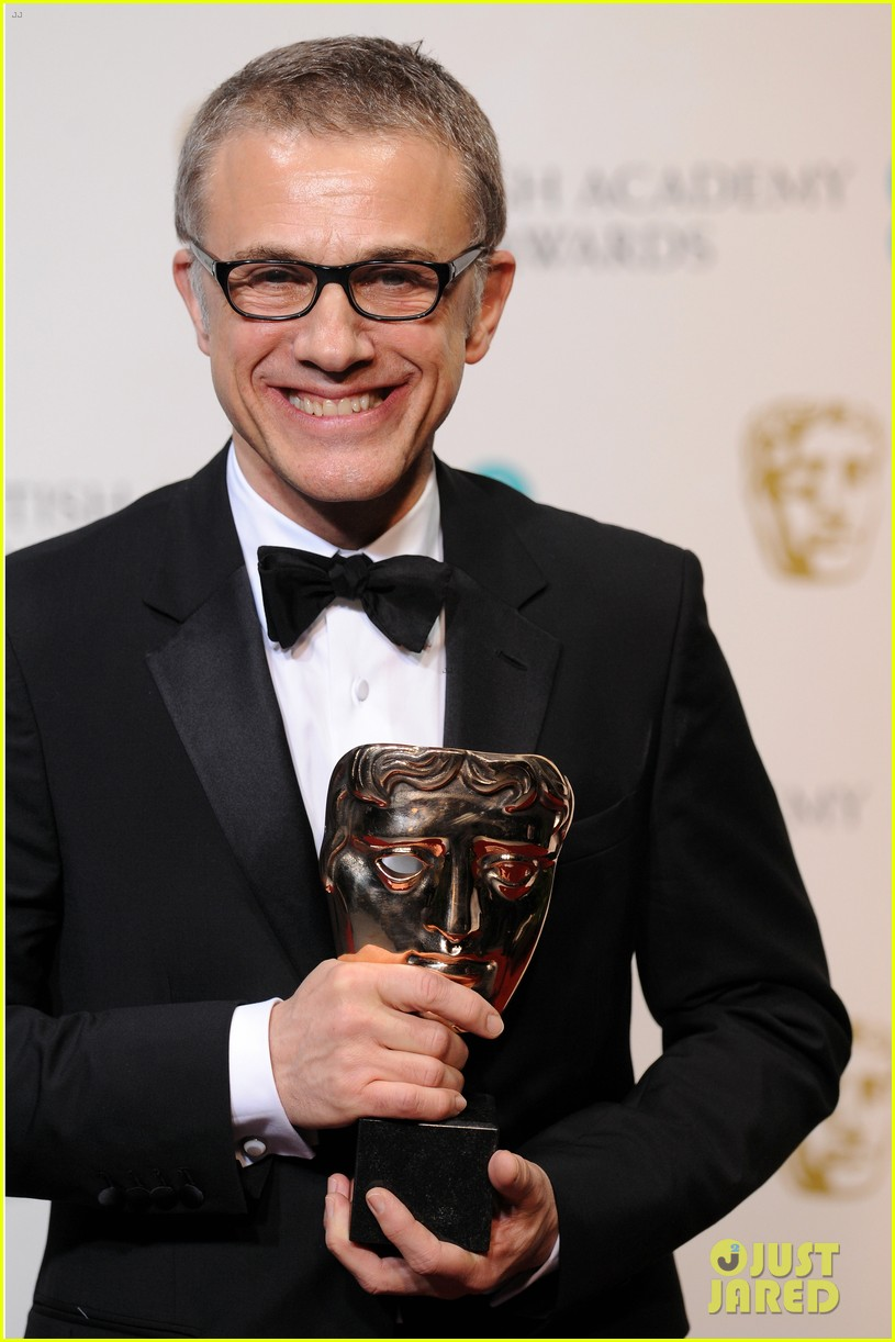 christoph waltz wins best supporting actor at baftas 2013 09
