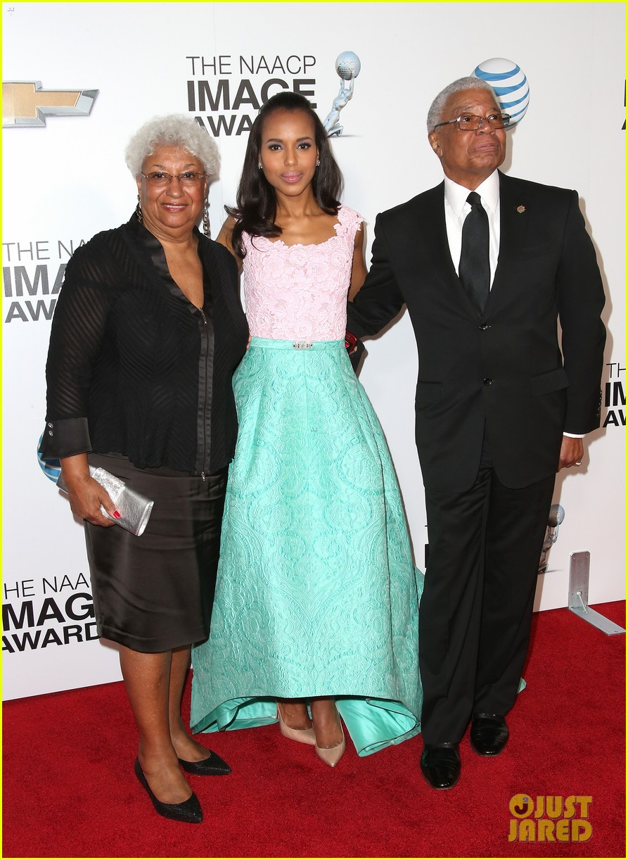 kerry washington naacp image awards 2013 red carpet 032802732