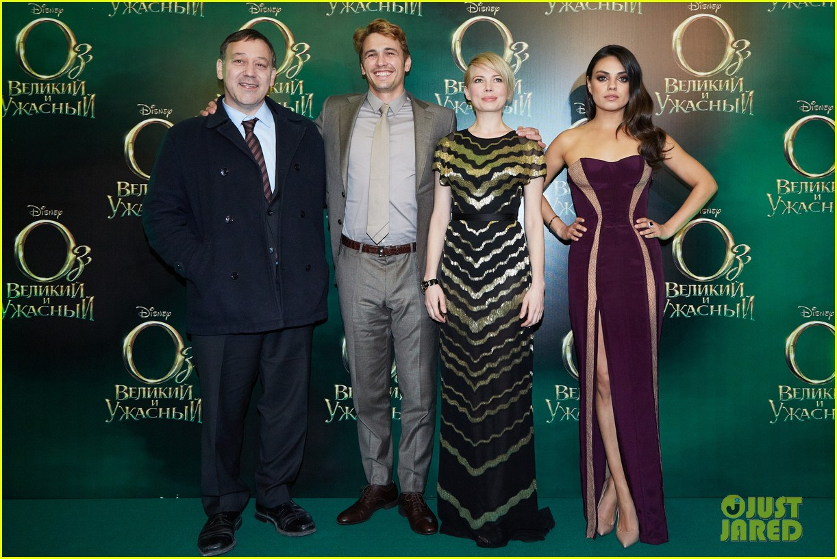 michelle williams mila kunis oz great powerful moscow premiere 052822319