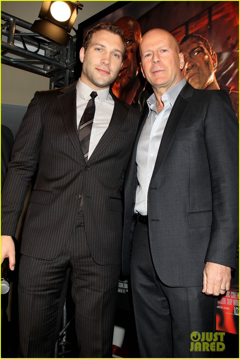 bruce willis jai courtney good way to die hard fan event 03