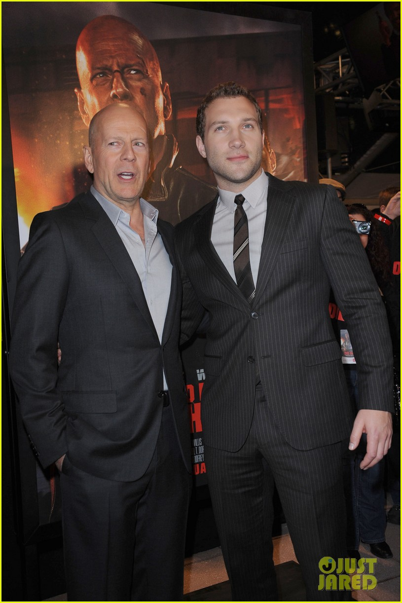 bruce willis jai courtney good way to die hard fan event 182812249