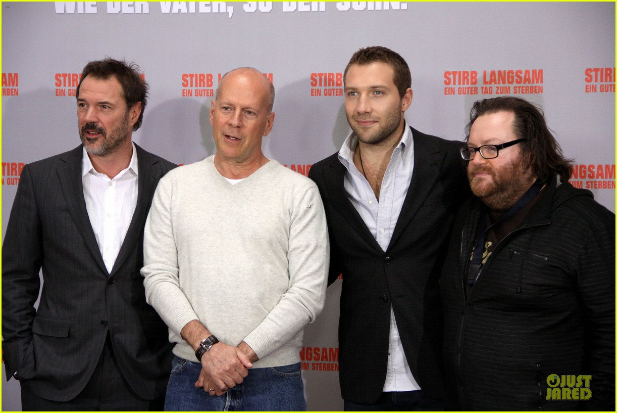 bruce willis jai courtney die hard photo call in germany 07